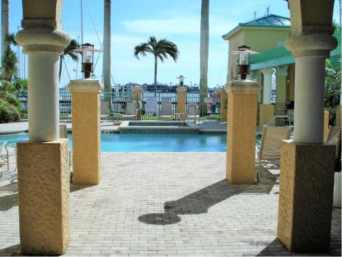 Amenities - Bayfront Pool