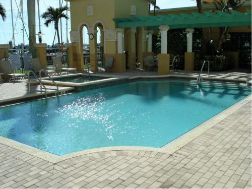 Amenities - Bayfront Pool Patio